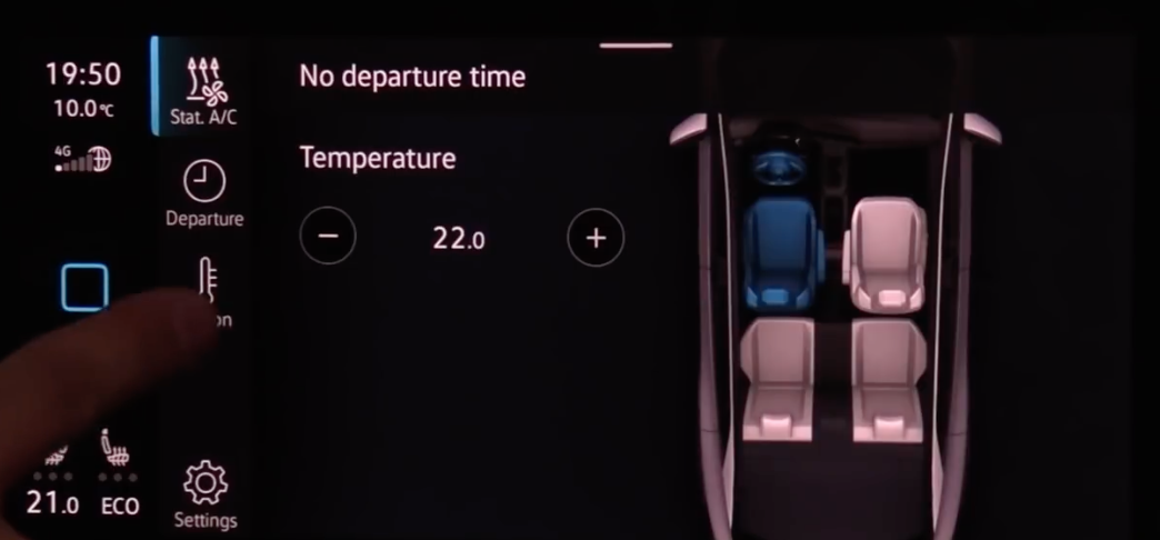 Adjusting the temperature presets according to departure time with an illustration of the interior of a car on the right
