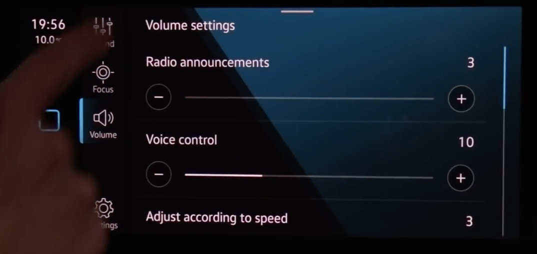 Adjusting the volume settings for radio announcements or voice control through sliders