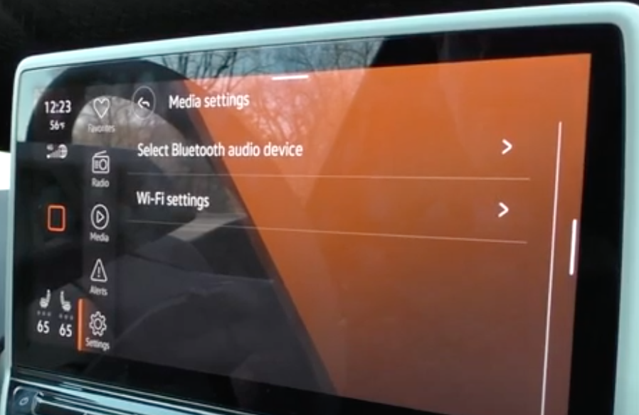 Choosing between bluetooth or Wi-Fi settings
