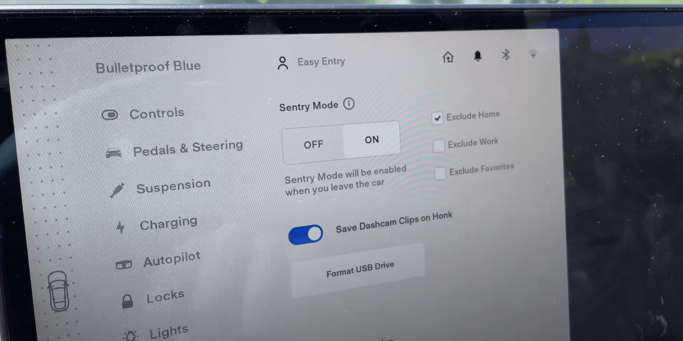 Turning on and off sentry mode with a toggle