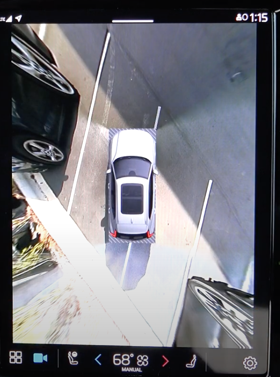 A view of the 360 camera view on the infotainment system