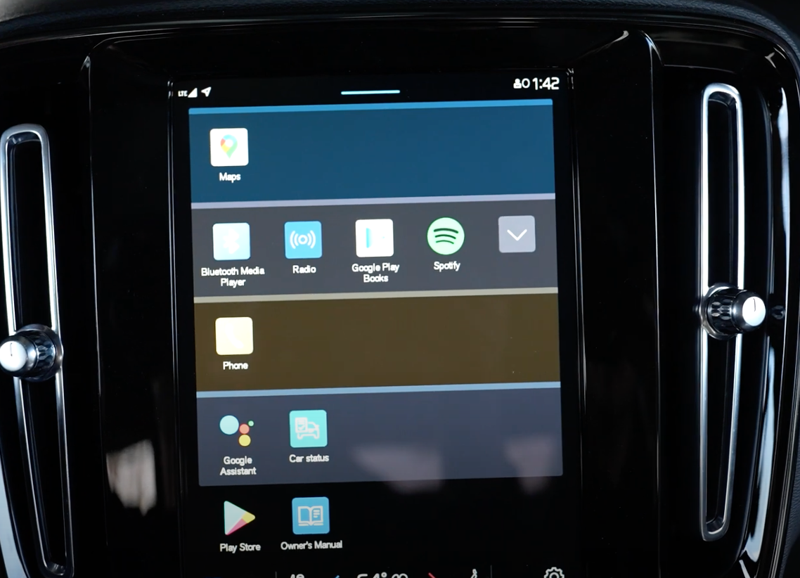 A view of the apps that are on the infotainment system listed as a gallery with square icons