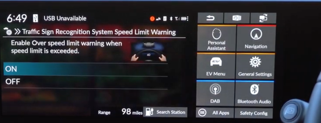 Turning on and off speed limit warning according to traffic signs