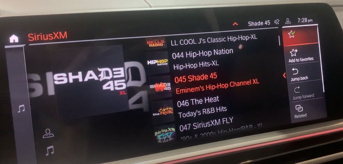 The media player on the left, a list of stations in the middle and a star icon highlighted on the right indicating that a radio preset has been added