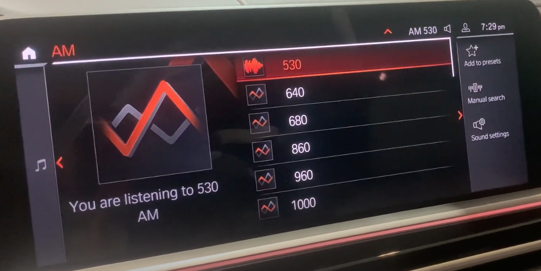 Browsing through the list of AM stations with the player on the left