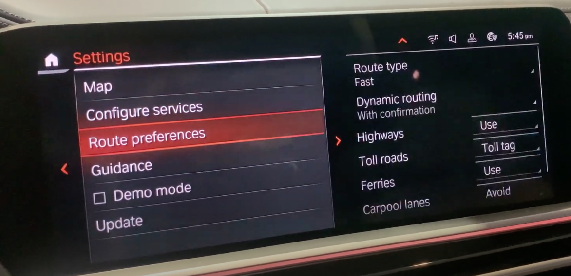 A list of navigation settings on the left with route options on the right