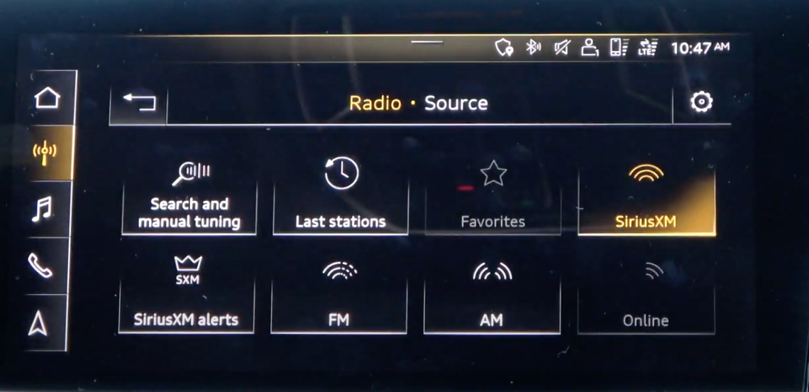 Possible radio options and sources displayed as a gallery with icons such as last stations, favourites and manual tuning