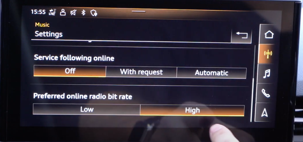 Radio settings such as preferred online radio bit rate with toggle menus