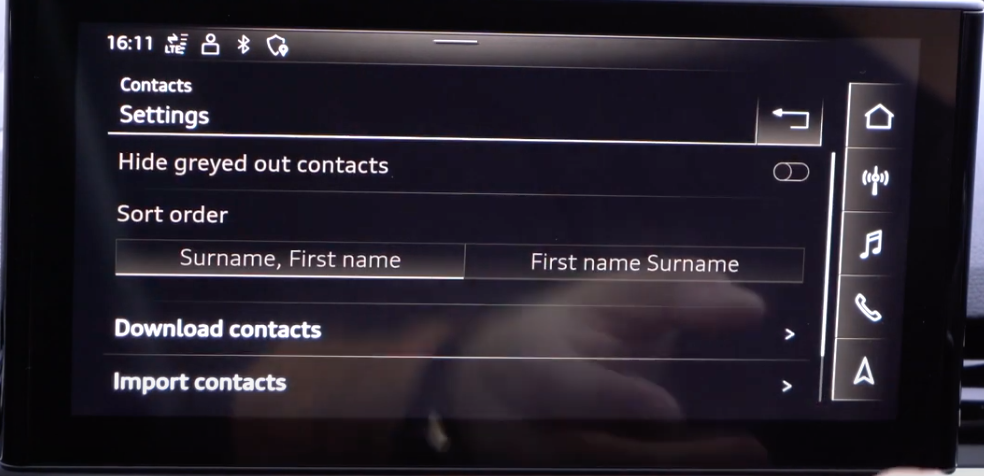 A list of settings for phone contacts such as importing them and choosing wether a user would like to sort them starting by name or surname