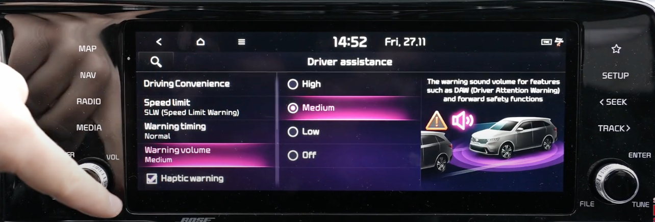 List of driver settings assistance with the option warning volume selected with a 3D model of a car