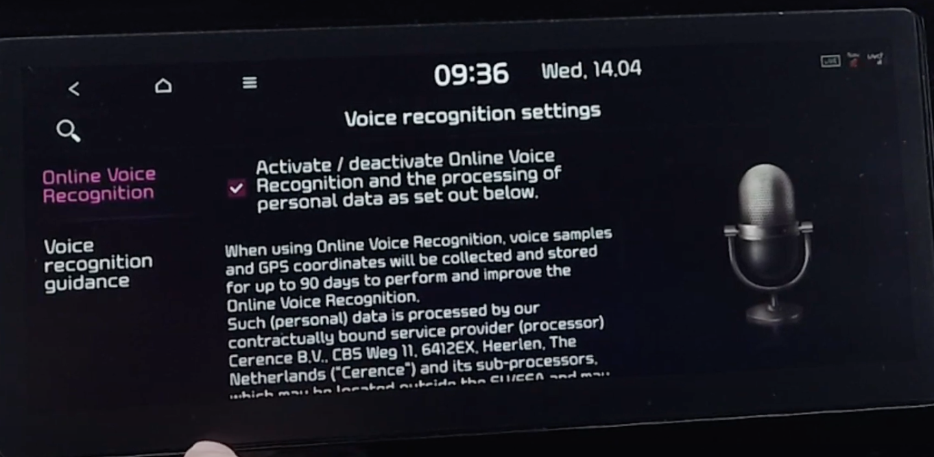 Voice recognition settings with informative text and an illustration of a microphone
