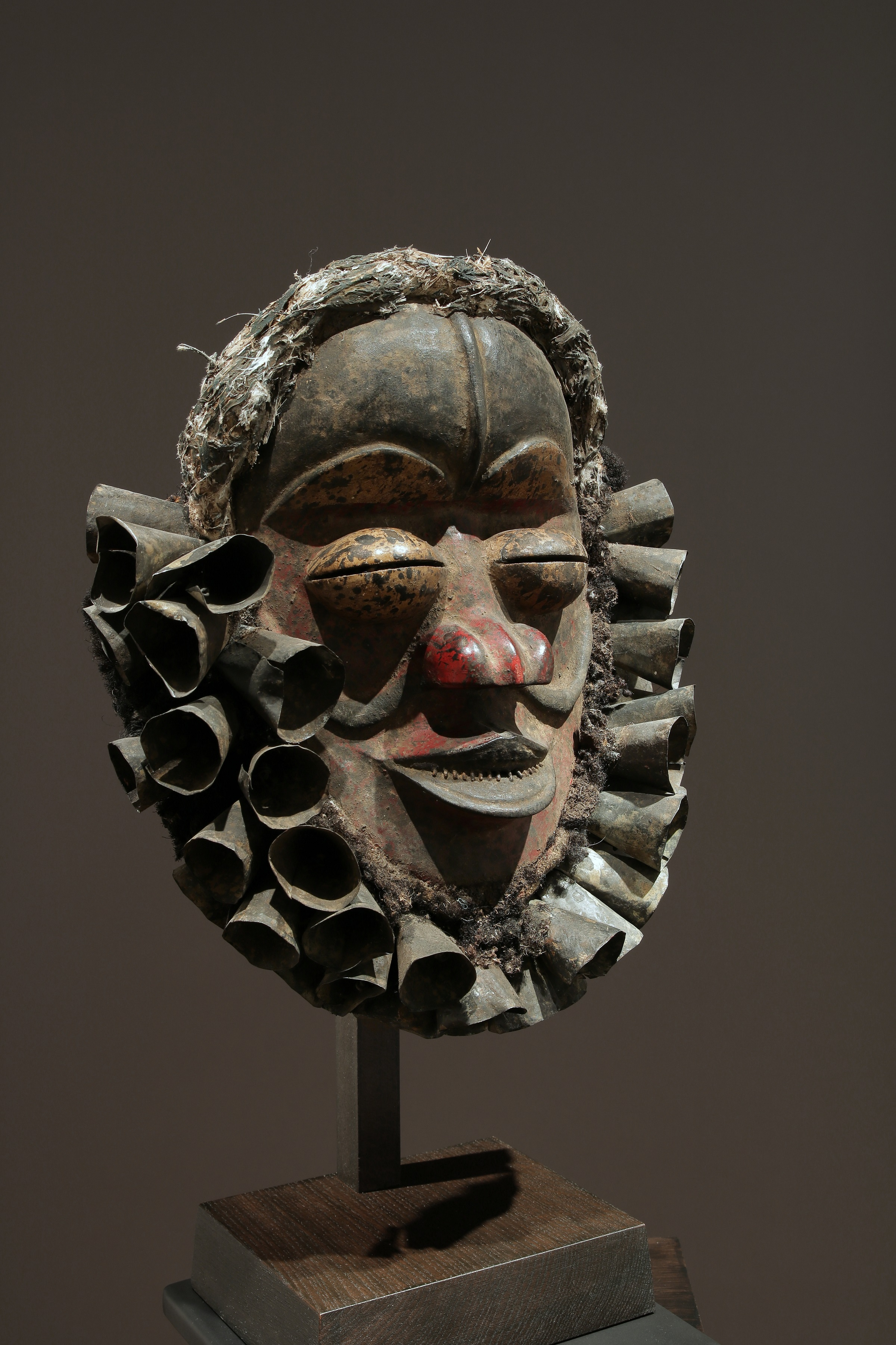 """Ble zri"" or ""Kpepo gla"" face mask"