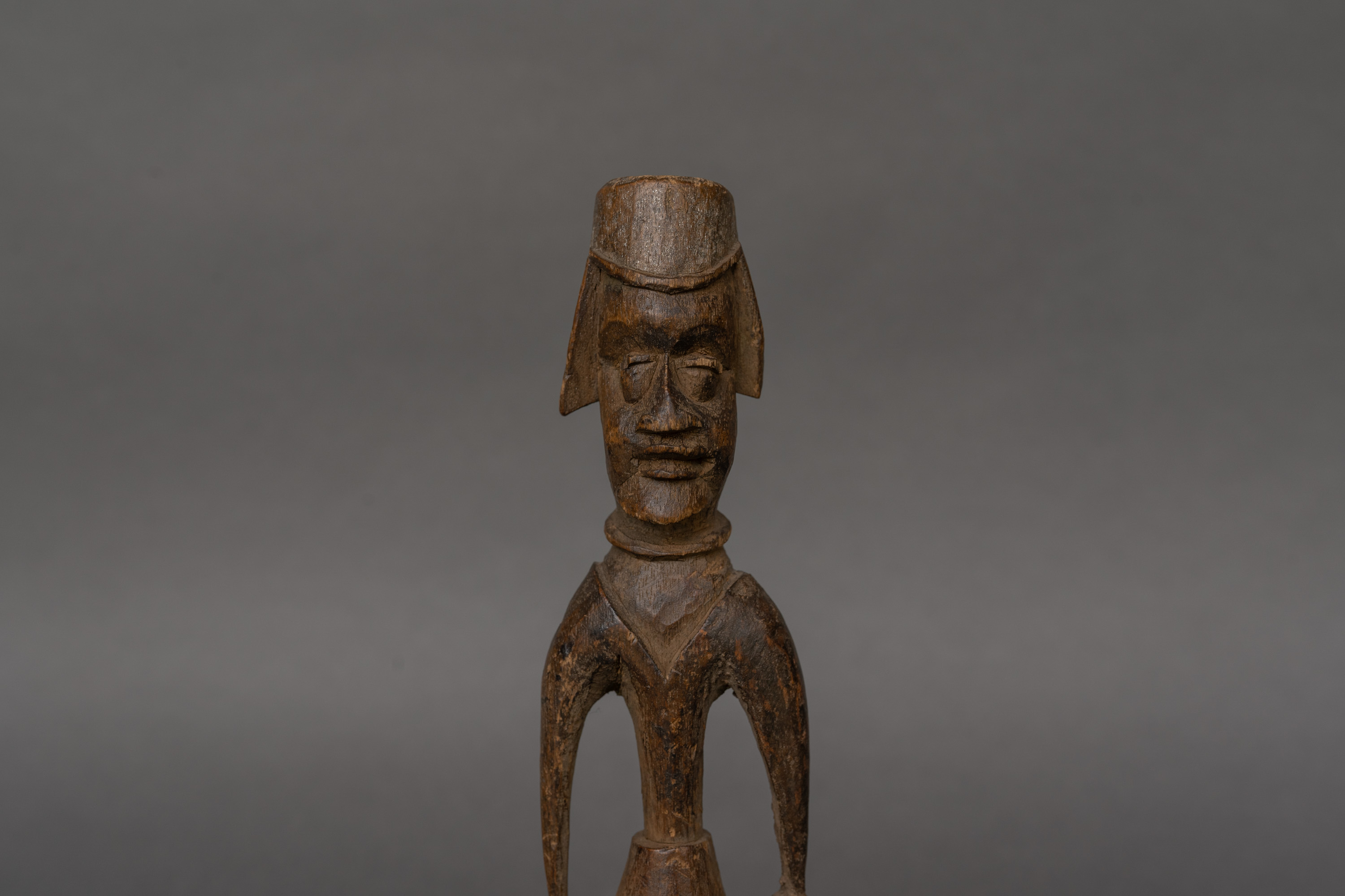 Anago Colonial Figure