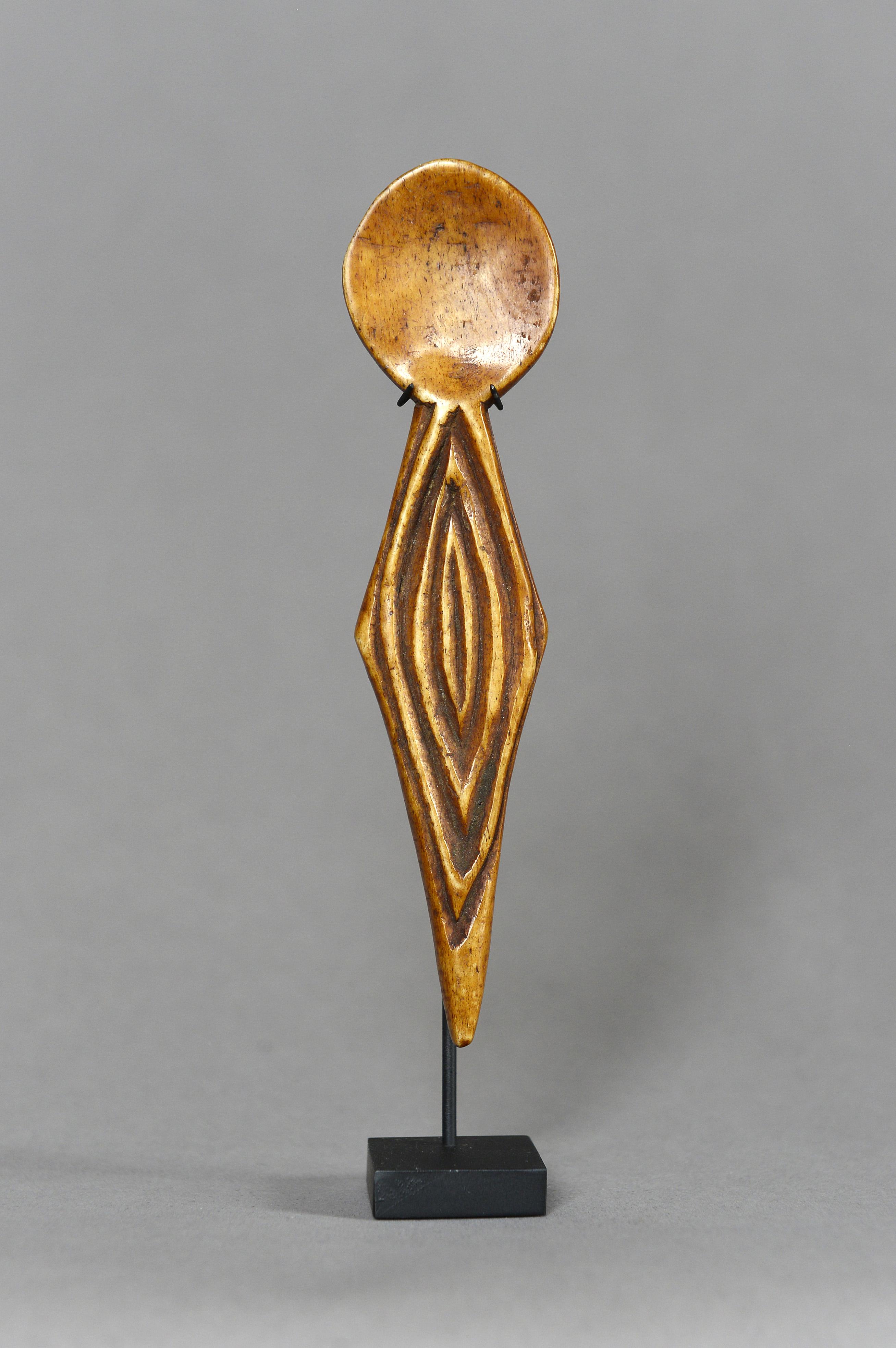 Lega spoon