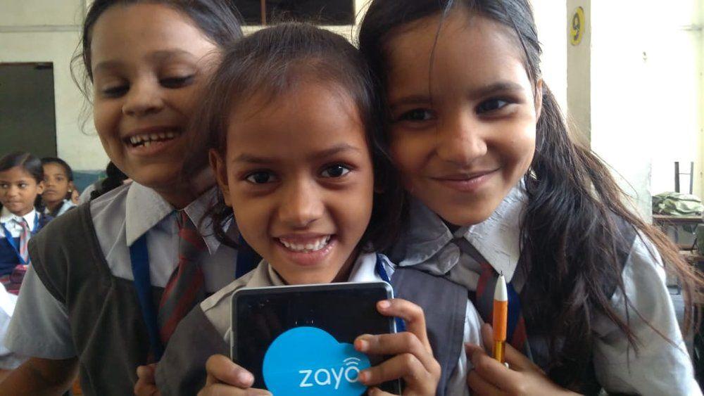 Students using Zaya Learning Lab Technology.