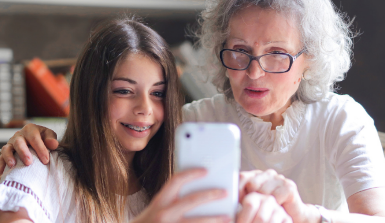 Study Finds that Using the Internet More Improves Mental Health in Older Adults