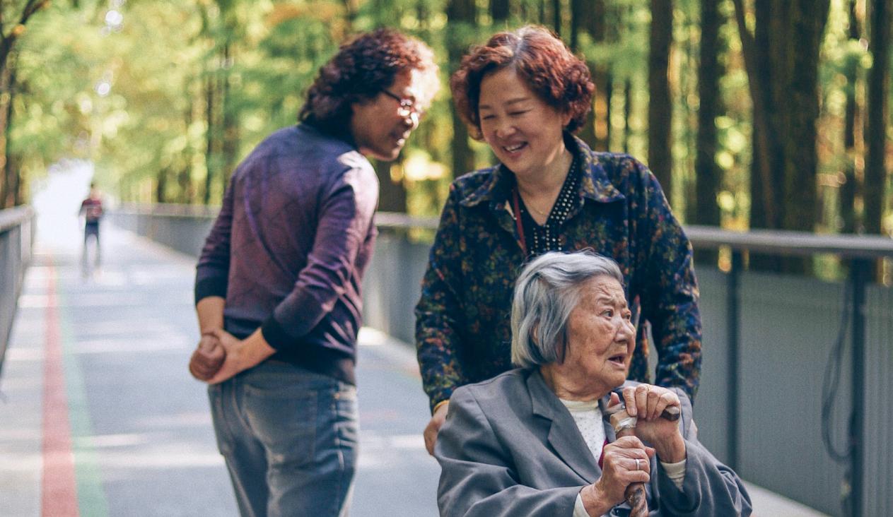 Thriving in Senior Living Communities