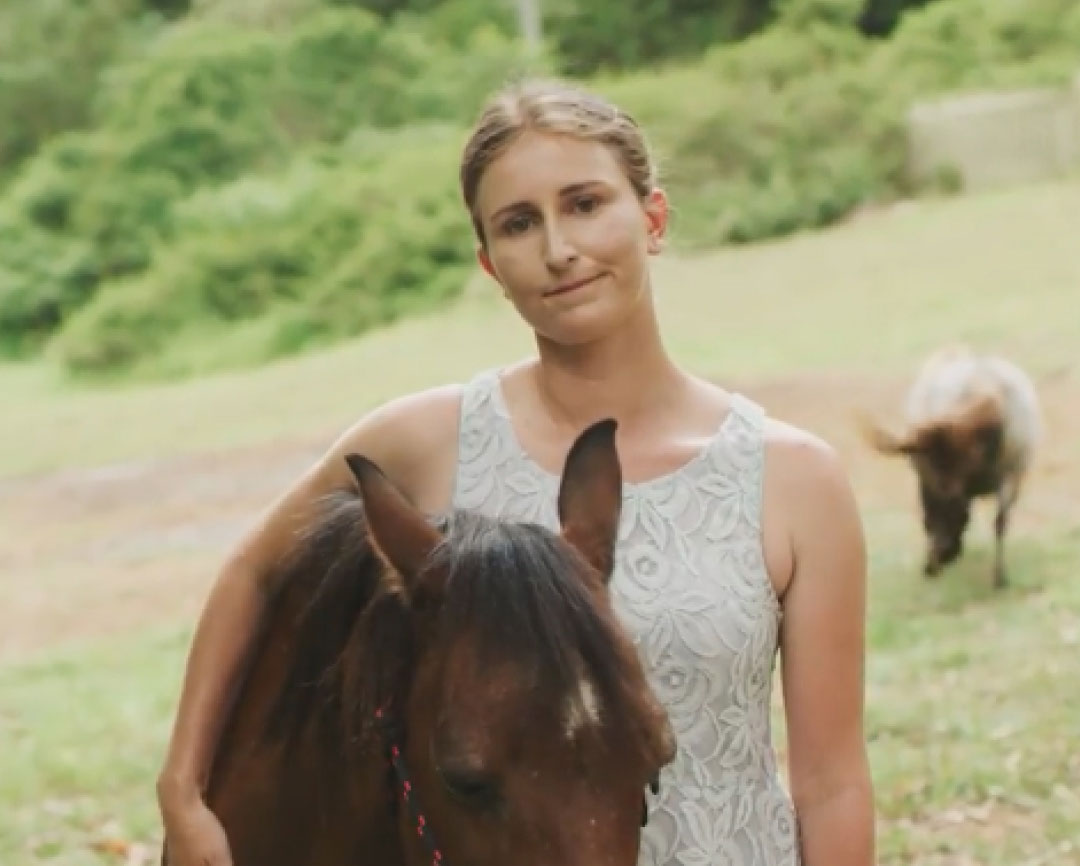 Image of Richelle with her horse