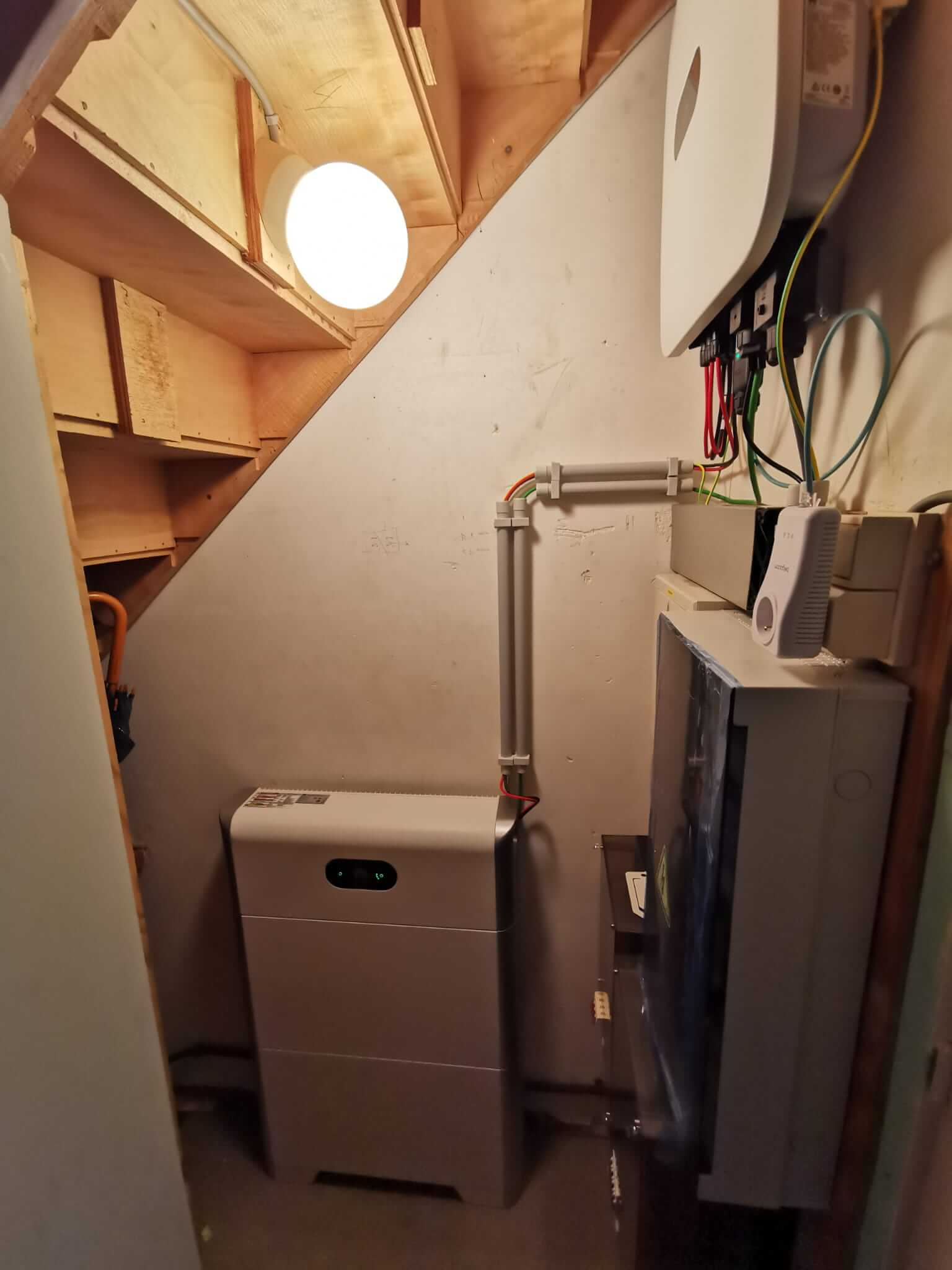 Rendabele thuisbatterij in kleine technische ruimte in het waasland.