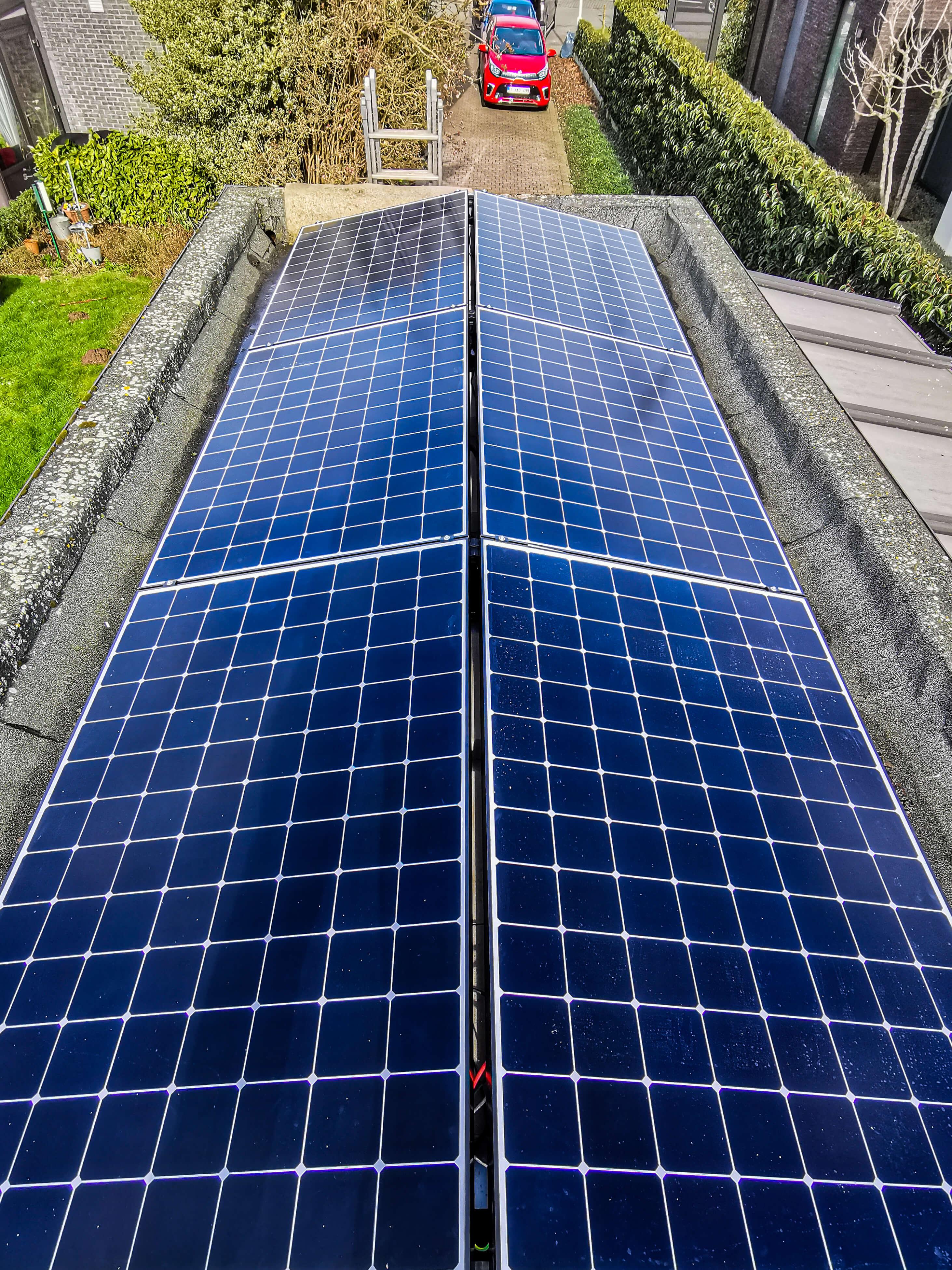 6 zonnepanelen op een zeer kleine dakoppervlakte.