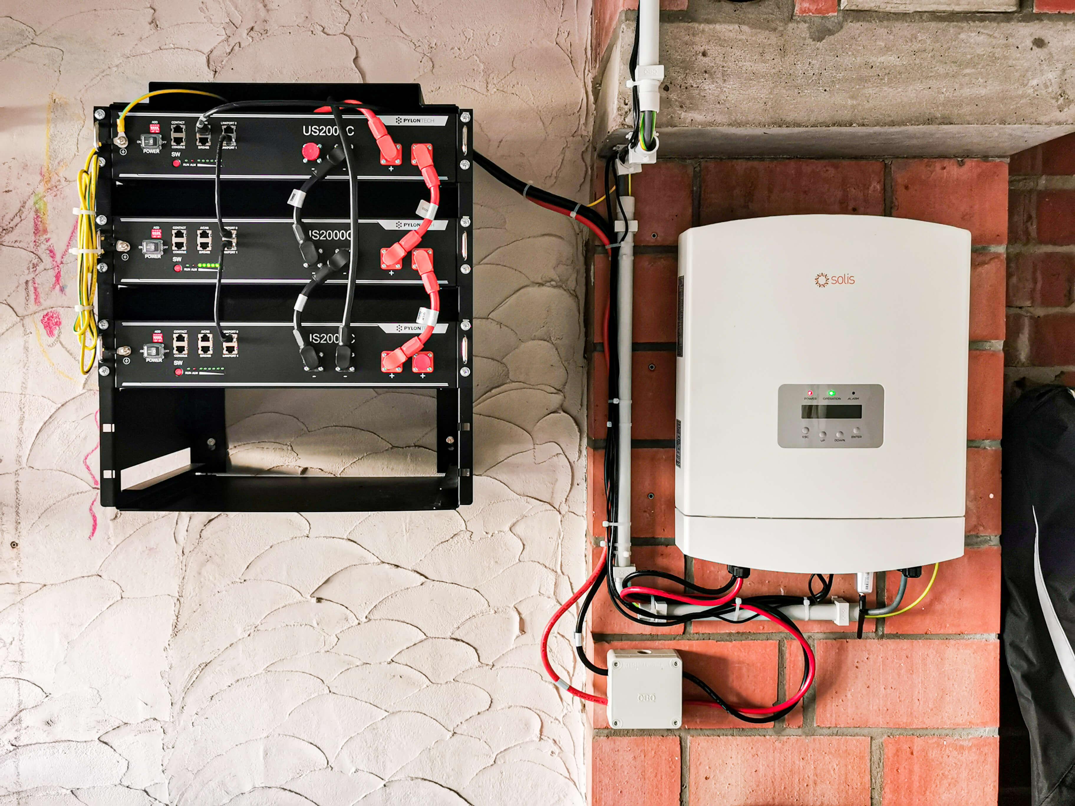 Installatie Solis thuisbatterij in Waasland.