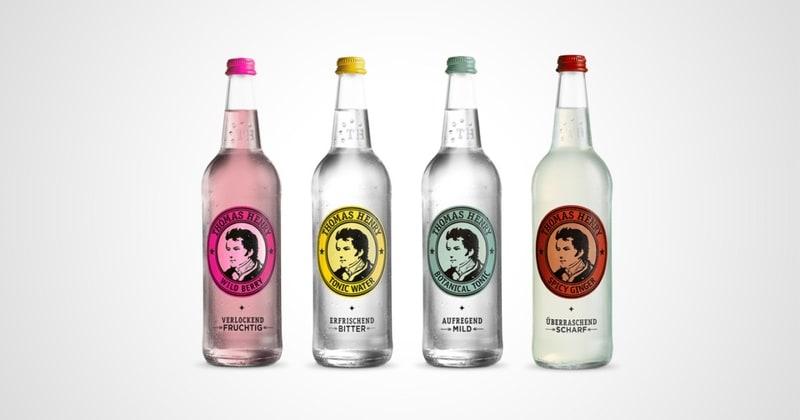 Bild von vier Thomas Henry Flaschen in einer Reihe