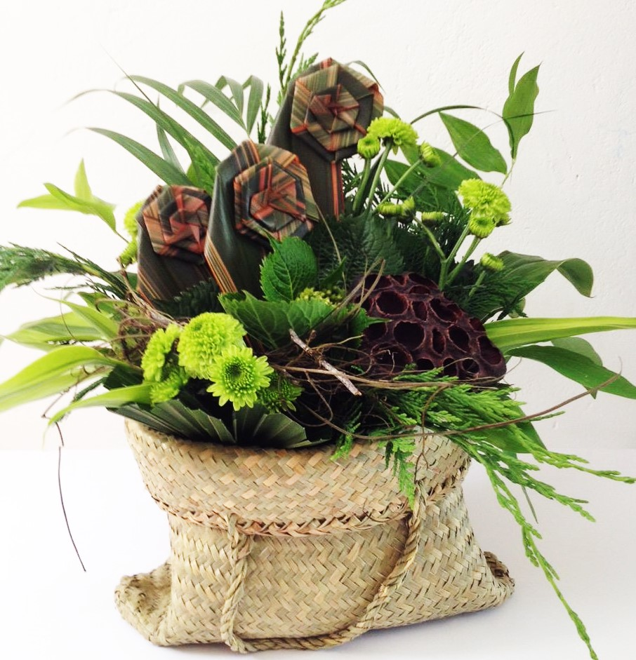This is a very popular design, flax flowers with lovely greens.