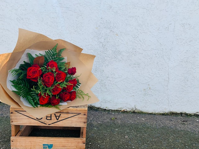 Nice- 6red roses,WOW- 12 red roses,OMG- 18 red roses. #The flower photo is an indication,