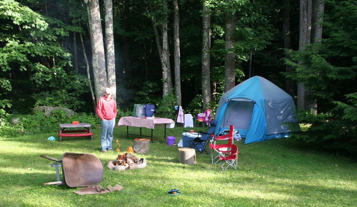 backyard-camping-guide-abigail-Batchelder-via-flicker-featured-reduced