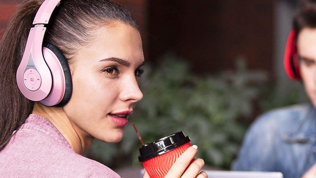 elite daily 39 products d3aedc3d-ee36-4149-a9b1-8a2f870464e3-dfbffcb0-a744-4353-937f-22bc8e4325c3-headphones