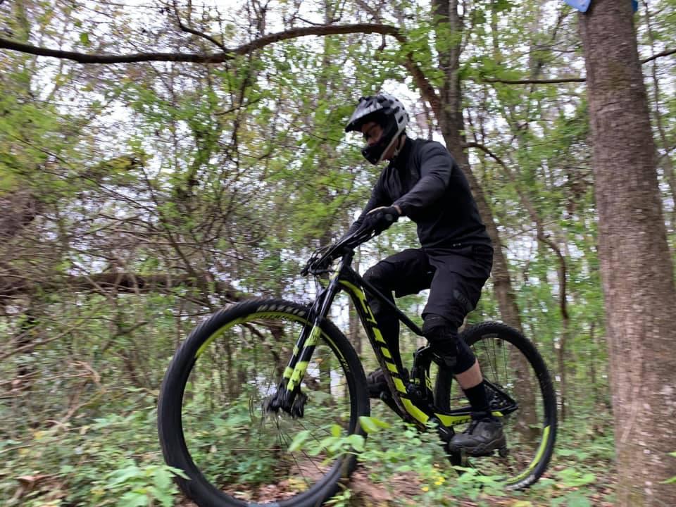 Single Tracks when mountain biking leads to a meat allergy 54525783_10218634660522481_4419469949710368768_n