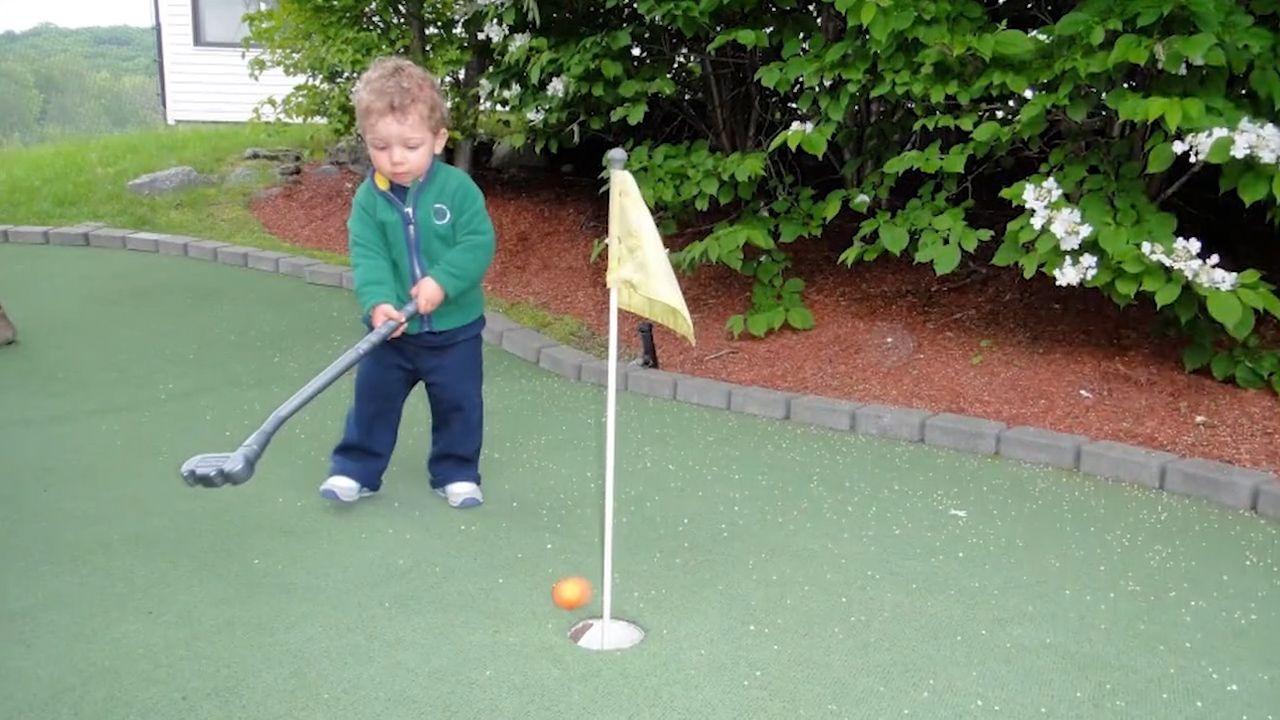 jake_baby_golfing
