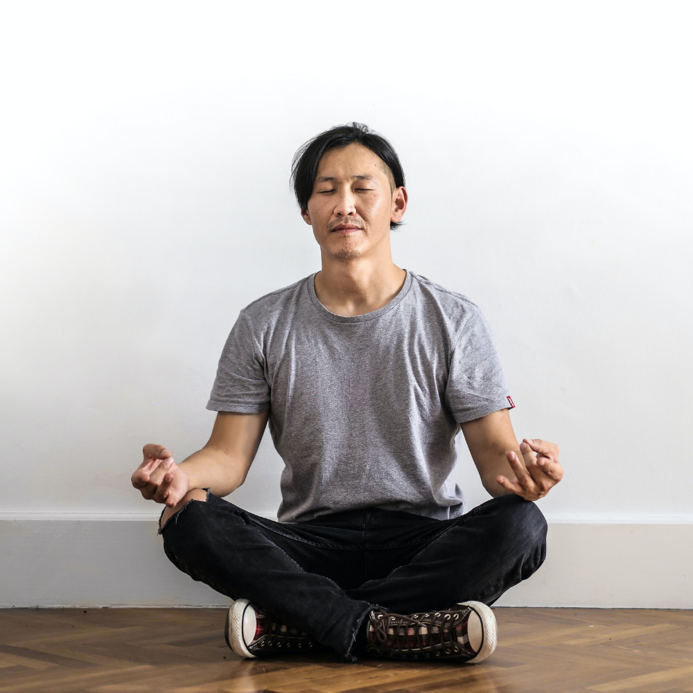 New Research: Mindful Meditation Makes Your Brain Happier and Less Fearful